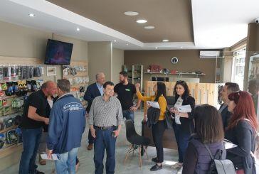 Συζήτησε με δημότες στο κέντρο του Μεσολογγίου ο Κώστας Λύρος