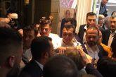 Στο εκλογικό κέντρο του Σταύρου Καμμένου ο Αλέξης Τσίπρας