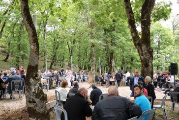 Εορτασμός του Αγίου Νικολάου στις δασώδεις πλαγιές του Μακρυνόρους
