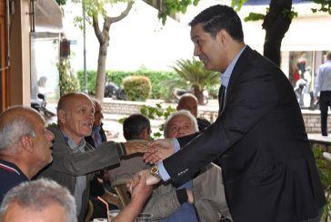 Νέες επαφές Παπαναστασίου με πολίτες και εμπόρους στο κέντρο του Αγρινίου