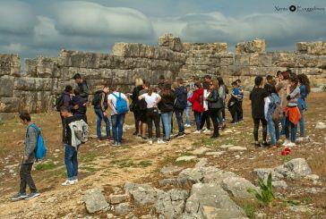 Εκατοντάδες μαθητές στις «Πράσινες Πολιτιστικές Διαδρομές» της Αιτωλοακαρνανίας