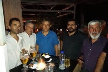 Στο Μεσολόγγι για χαλαρό ποτό με φίλους του ΚΙΝΑΛ ο Βασίλης Αντωνόπουλος