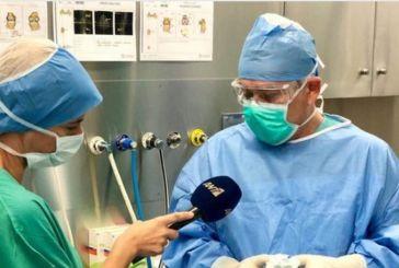 O Αιτωλοακαρνάνας B. Γάκης πραγματοποίησε την πρώτη μεταμόσχευση γονάτου με μόσχευμα από 3D εκτυπωτή (video)