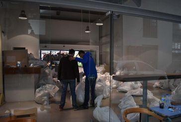 Αγρίνιο: ομαλά η διαδικασία παραλαβής του εκλογικού από τους Δικαστικούς Αντιπροσώπους
