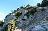 Η σπηλιά «προσωπείο» στα βουνά του Βάλτου