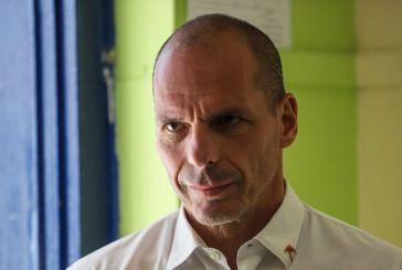 Ψήφισε ο Γιάνης Βαρουφάκης: Γιορτή της Δημοκρατίας η σημερινή ημέρα