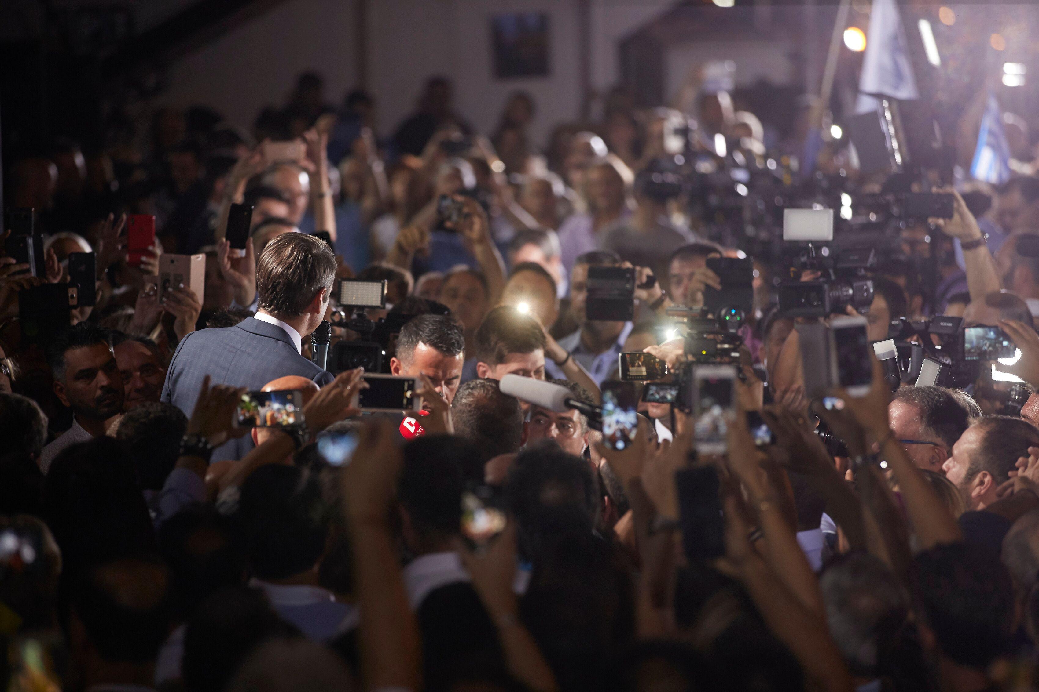 Αποθεώθηκε ο Μητσοτάκης στην Πειραιώς: Το «ευχαριστώ» του στους ψηφοφόρους της ΝΔ