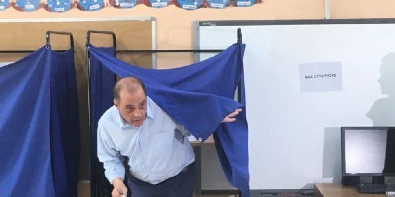 Ο Βελόπουλος μήνυσε τον υποψήφιο βουλευτή του στη Λάρισα