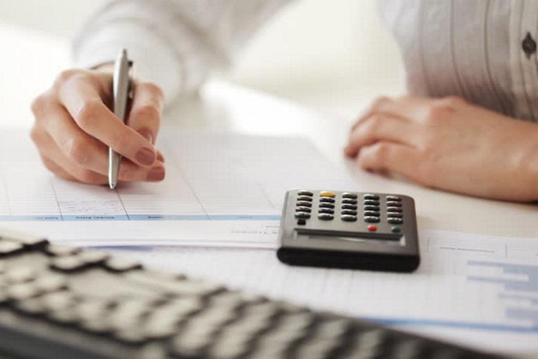 «Λευκό μητρώο» για τις εισφορές: Πώς θα πληρώνουν λιγότερα επιχειρήσεις και επαγγελματίες
