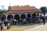 Αγρυπνία στο παραλίμνιο εκκλησάκι της Αναλήψεως του Κυρίου στον Δαφνιά Μακρυνείας