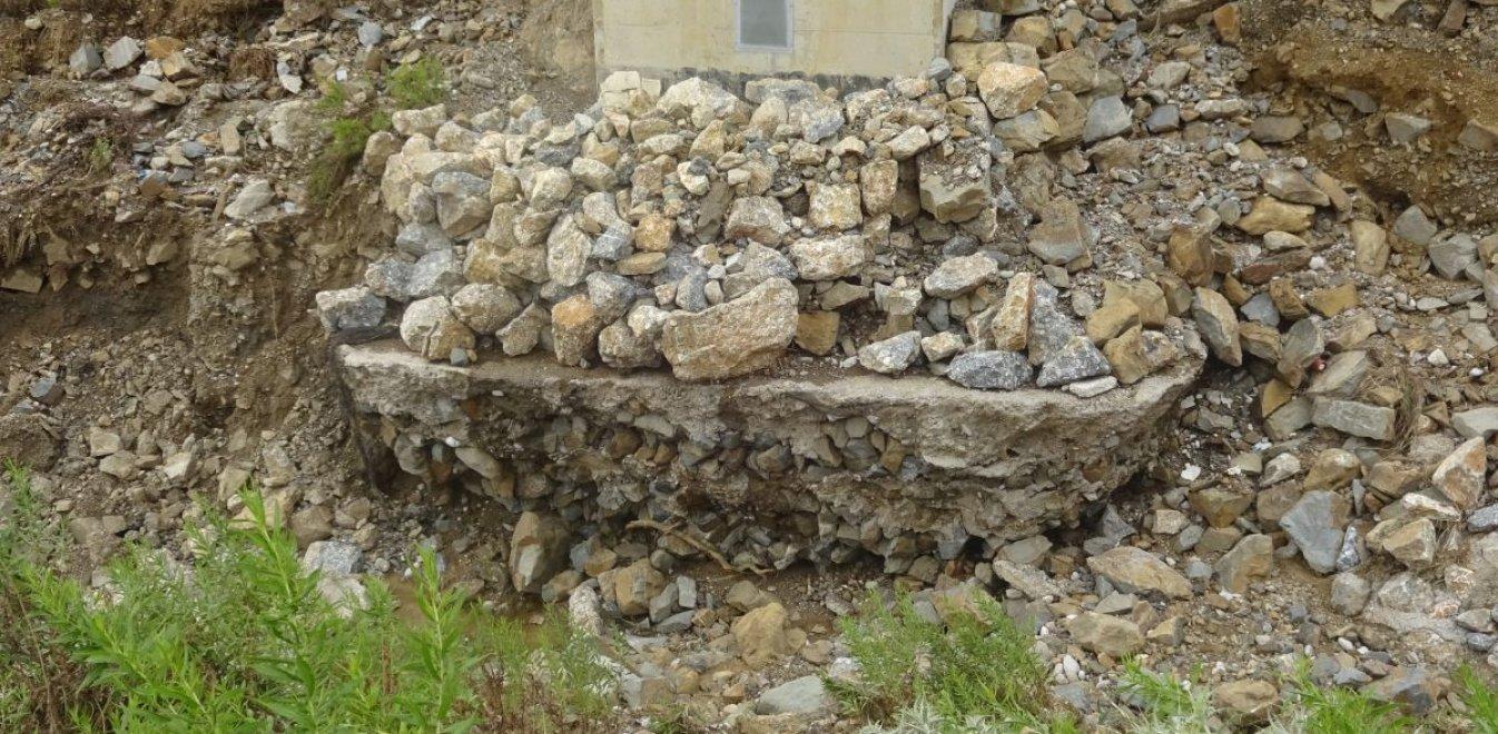 Γιατί «πνίγηκε» η Μακύνεια – Επικίνδυνες διαβρώσεις στην Ιόνια Οδό (vid)