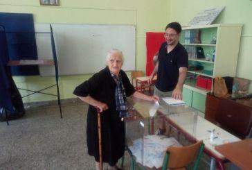 Η αιωνόβια ψηφοφόρος του Πλάτανου Καλυβίων