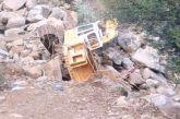 Μακύνεια: Τα ορμητικά νερά παρέσυραν και εκσκαφέα