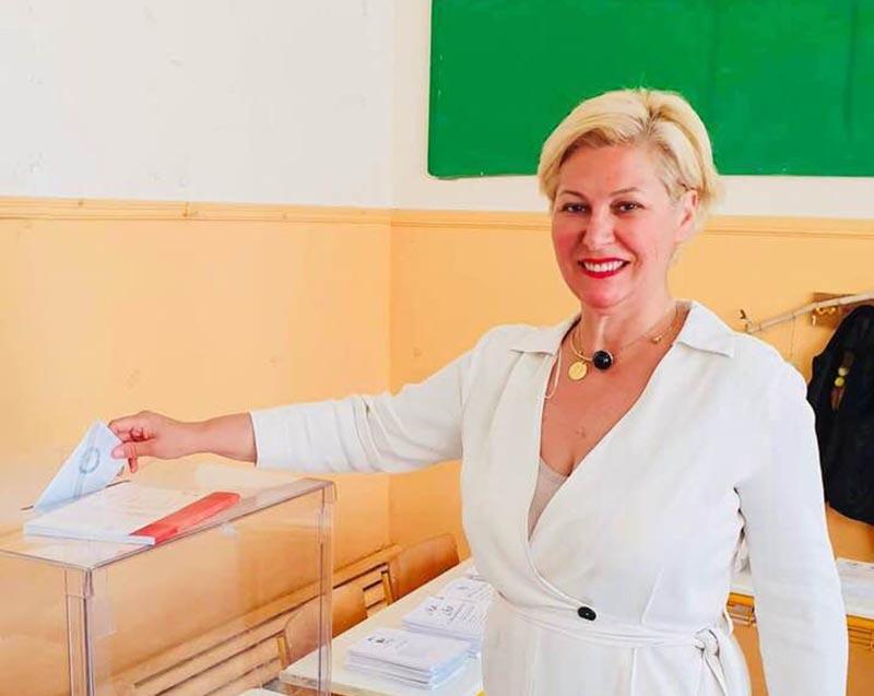 """Μαρία Καλπουζάνη: """"Αύριο ξημερώνει μία πιο φωτεινή ημέρα για την Ελλάδα"""""""