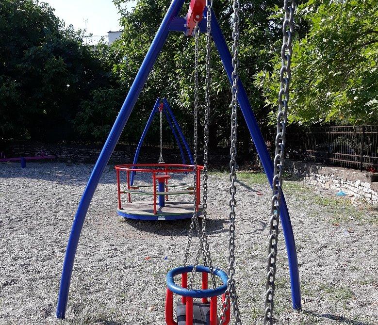 Προχωρά η αναβάθμιση 45 παιδικών χαρών στον δήμο Αγρινίου
