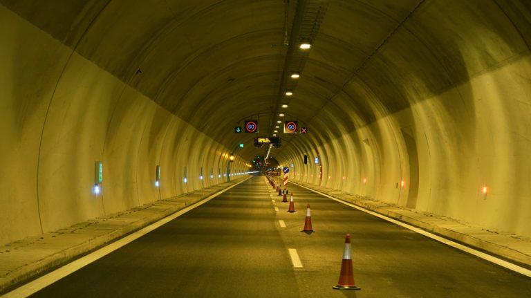 Ολιγόωρες κυκλοφοριακές ρυθμίσεις στις σήραγγες Παναγοπούλας