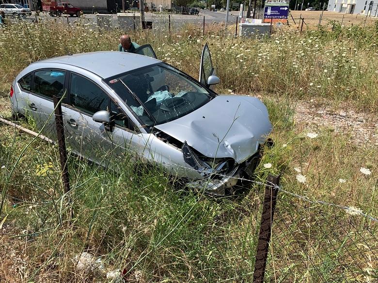 Αγρίνιο: τροχαίο στον κόμβο σταδίου με εμπλοκή εκπαιδευόμενου οδηγού