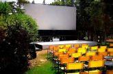 Viral ο θερινός κινηματογράφος που έκλεισε για… διακοπές