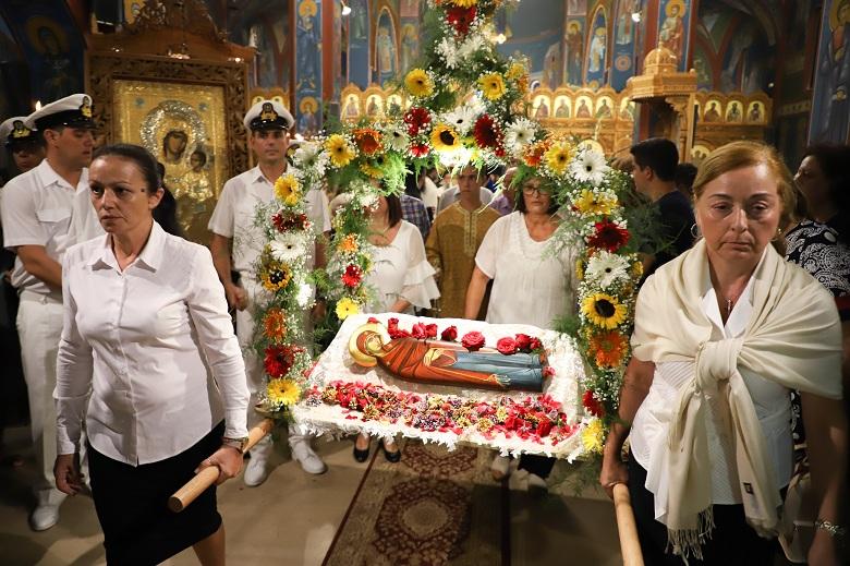 Με λαμπρότητα εορτάστηκαν τα προεόρτια της Κοιμήσεως της Θεοτόκου στο Αντίρριο (φωτο)