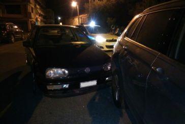 Τράκαραν δύο αυτοκίνητα χωρίς οδηγούς στη Ναύπακτο