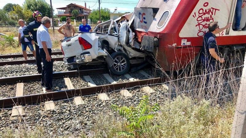 Τραγωδία στα Διαβατά: Νεκρή έγκυος μετά από σύγκρουση τρένου με ΙΧ