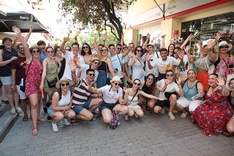 Γνώρισαν το Αγρίνιο οι Ισπανοί και Ιταλοί που ήρθαν να χορέψουν (φωτο)