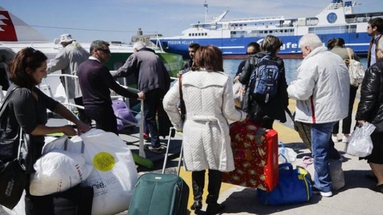 Αδειάζει η Αθήνα για Δεκαπενταύγουστο – Αυξημένη κίνηση στα λιμάνια