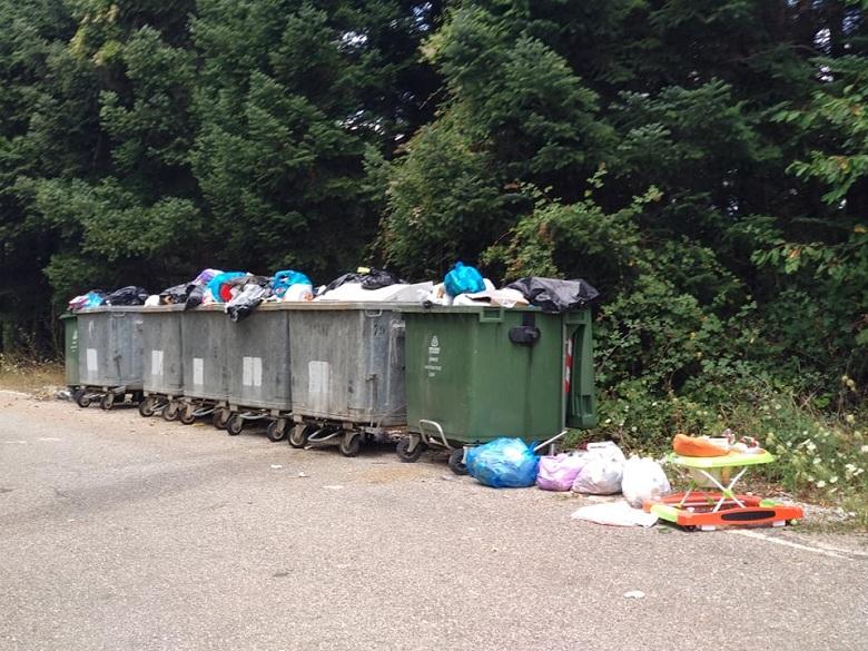 Βουτηγμένη στα σκουπίδια η ορεινή Ναυπακτία παραμονές των ποδηλατικών αγώνων
