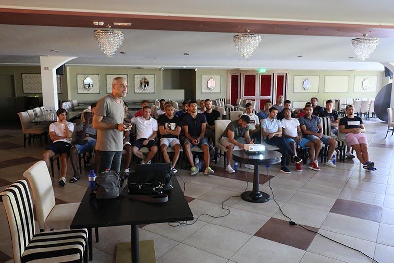 Σεμινάριο διαιτησίας για τους ποδοσφαιριστές του Παναιτωλικού (φωτο)