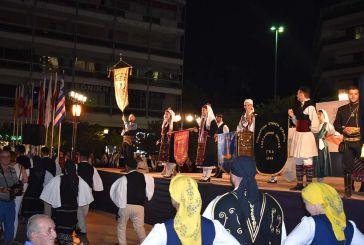 Πλήθος κόσμου και παραδοσιακοί χοροί στο κέντρο του Αγρινίου