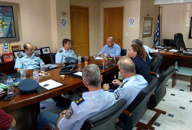 Δήμος Ναυπακτίας: Συνάντηση Γκίζα με τις Αστυνομικές και Λιμενικές Αρχές