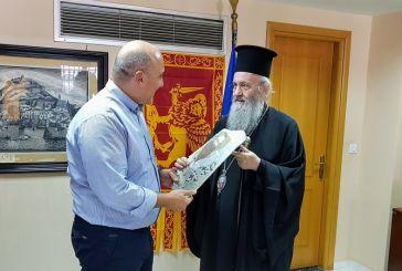 Το Δήμαρχο Ναυπακτίας επισκέφθηκε ο Μητροπολίτης Ιερόθεος (φωτο)