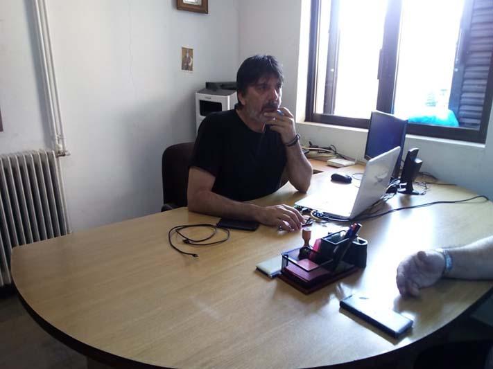 Παλαιομάνινα: Εθελοντική δράση για τον καθαρισμό των γραφείων της Κοινότητας (φωτο)