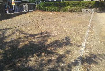 Ξεραμένα παρτέρια, πρασιές  και «γκαζόν» στο Πάρκο Αγρινίου