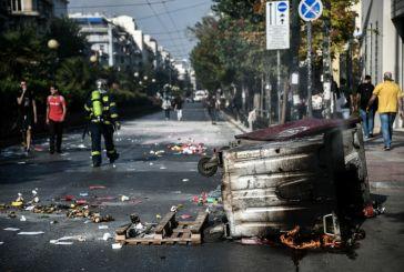 Ενταση στην ΑΣΟΕΕ: Έκλεισαν το δρόμο με κάδους -Διεκόπη η κυκλοφορία