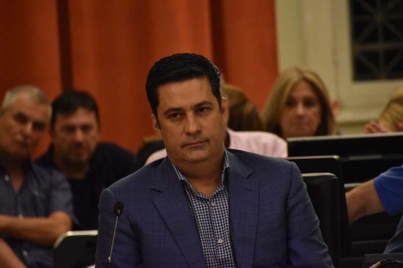 """Παπαναστασίου σε Καζαντζή: """"Επιβεβαιώνεται η αβάσταχτη πολιτική ελαφρότητά σας"""""""