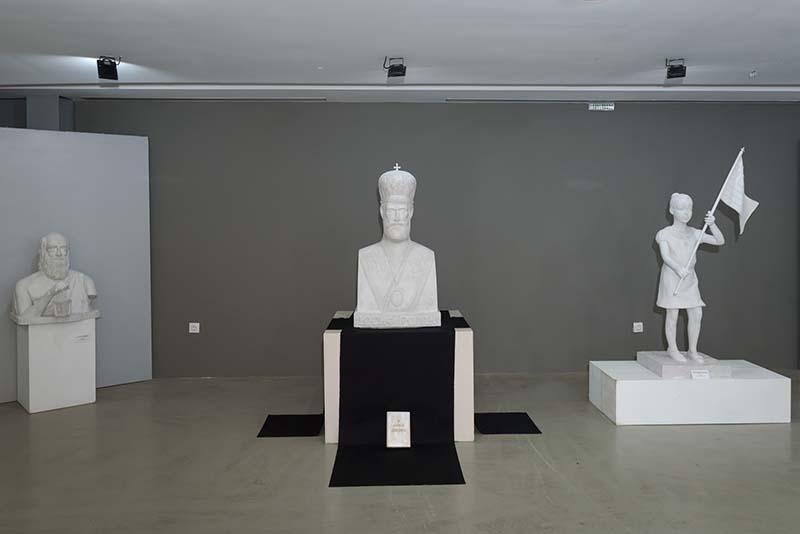Παρατείνεται έως την Τρίτη 5 Νοεμβρίου  η Έκθεση Γλυπτικής του Ευάγγελου Τύμπα στο Αγρίνιο