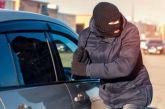 Κατοχή: Έκλεψαν αυτοκίνητο χωρίς καύσιμα και το εγκατέλειψαν