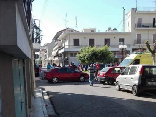 Σύγκρουση αυτοκινήτων με τραυματισμό οδηγού στο Μεσολόγγι