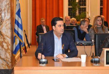Με πορτοκαλί φιόγκο ο δήμαρχος Αγρινίου και οι σύμβουλοι του