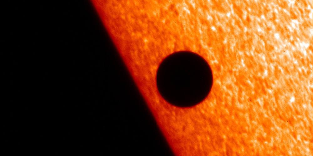 Σπάνιο φαινόμενο την Δευτέρα: Θα δούμε τον Ερμή να περνά μπροστά από τον Ήλιο
