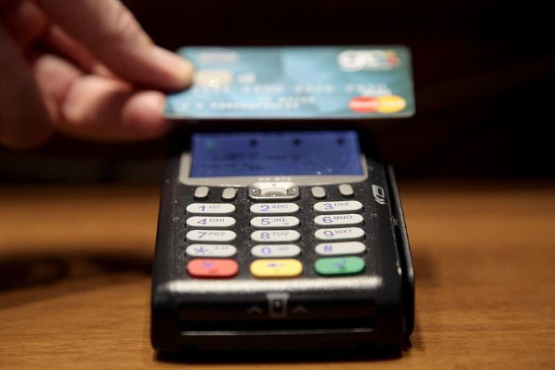 Τράπεζες: Αλλαγές στο πώς θα αποστέλλονται οι κάρτες