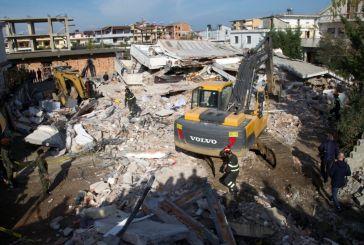 Μάχη με το χρόνο και τους μετασεισμούς στην Αλβανία – Στους 40 οι νεκροί