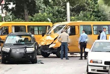 Τροχαίο με σχολικό λεωφορείο στη Βούλα – Eλαφρά τραυματισμένα δέκα παιδιά