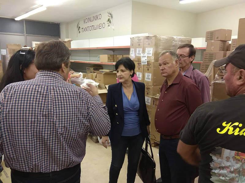 Διάθεση τροφίμων και ειδών καθημερινότητας σε ωφελούμενους του ΤΕΒΑ σε Αγρίνιο και Ναύπακτο