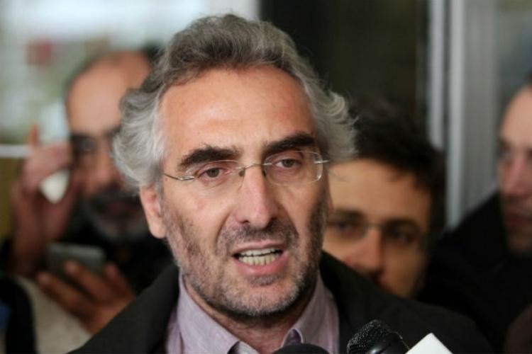 Ανυπότακτο Αγρίνιο: Με τον εκδότη Ψυχάρη ή με τον περιφερειακό σύμβουλο, Θανάση Αγαπητό