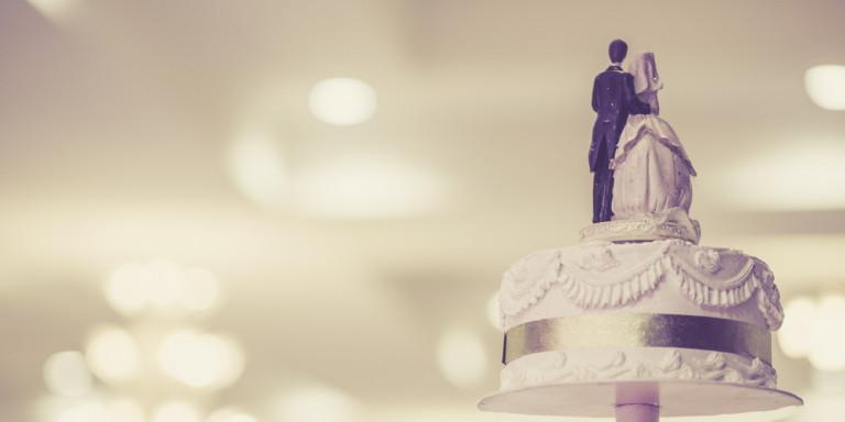 Γυναίκα «αράχνη» είχε κάνει τρεις παράλληλους γάμους – Σε Βόλο, Ελασσόνα και Αθήνα