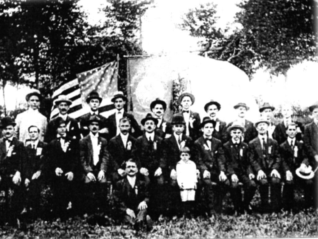 Οι πρώτοι Αιτωλοακαρνάνες μετανάστες που έφτασαν στις ΗΠΑ το 1888.