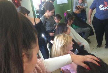 ΕΠΑΣ ΟΑΕΔ Αγρινίου: Σπουδαστές κομμωτικής περιποιήθηκαν τα μαλλιά μαθητών