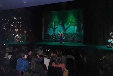 ΔΗΠΕΘΕ Αγρινίου: Οι μαθητές στην παράσταση «Πιο Δυνατός κι από τον Σούπερμαν» για την Παγκόσμια Ημέρα ΑμεΑ